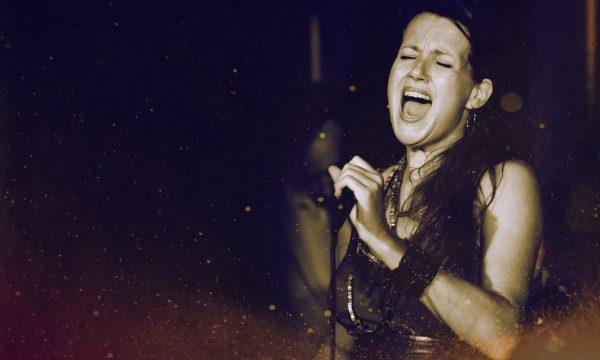 Zangeres Helen Botman - live performance met La Luna