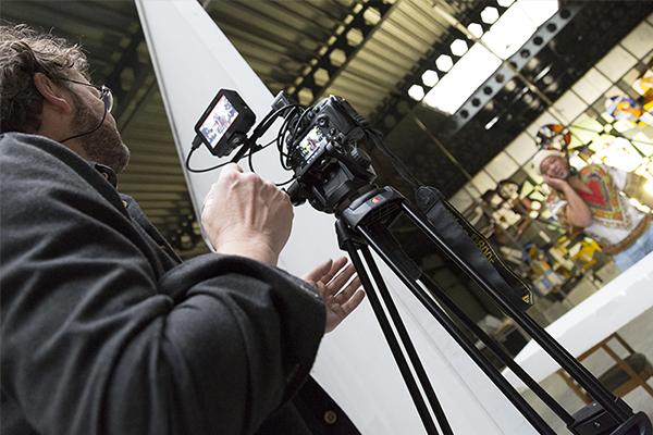 Filmer Frits de Beer @ video-opnames People by Helen Botman (Photo: Eric Minten)