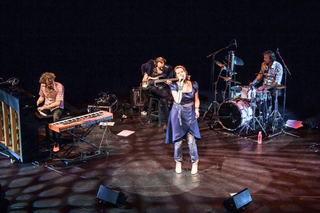 Albumpresentatie 'I Sing' in theater De Vest, Alkmaar (foto:Noukka Signe)